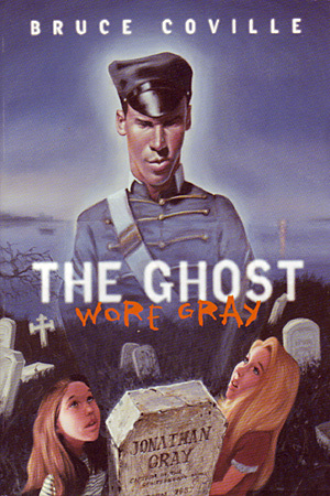 The Ghost Wore Gray (Nina Tanleven, #2)