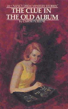 The Clue in the Old Album (Nancy Drew Mystery Stories, #24)
