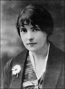 an analysis of katherine mansfields short story miss brill Literary analysis of 'miss brill' by katherine mansfield in 3 pages theme, tone, and symbolism are analyzed within the context of katherine mansfield's short story 'miss brill'.