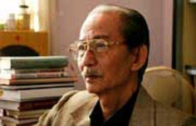 Cao Xuân Hạo (Translator of Đèn Không Hắt Bóng)