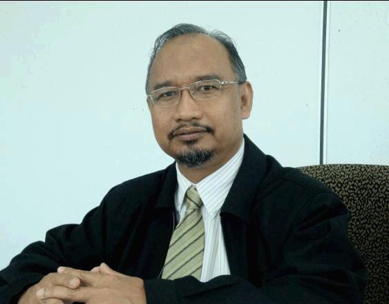 Wan Mohd Nor Wan Daud Author Of Filsafat Dan Praktik Pendidikan Islam Syed M Naquib Al Attas