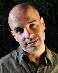 Roberto Hogue