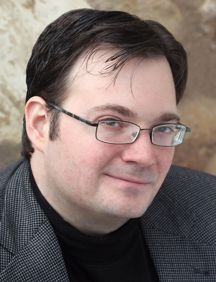 haz encuesta Tipo delantero  Brandon Sanderson (Author of The Final Empire)