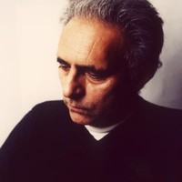 Hanif Kureishi Author Of The Buddha Of Suburbia border=