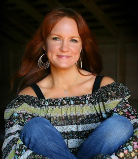 Ree Drummond Author Of The Pioneer Woman Cooks