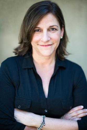 Cynthia D'Aprix Sweeney audiobooks