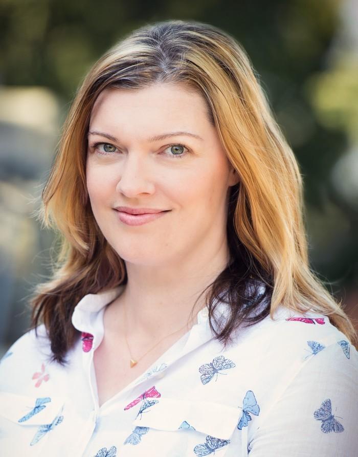 Author Jennifer Honeybourn