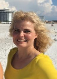 Edie Claire