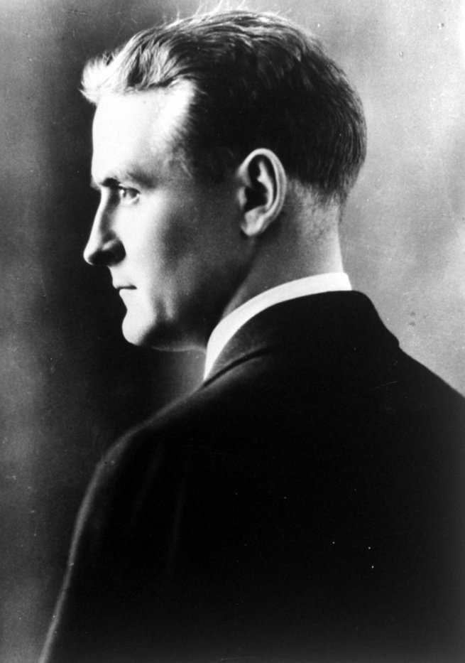 a biography of the writer f scott fitzgerald History remembers f scott fitzgerald as the author of the great gatsby, but that reputation arrived posthumouslywhile he was alive, his 1920 debut novel this side of paradise was his calling card.