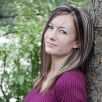 Headshot of author Natalie Mae