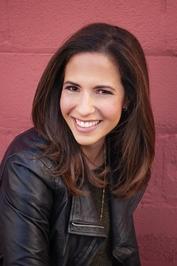 Headshot of debut author Jennie Wexler