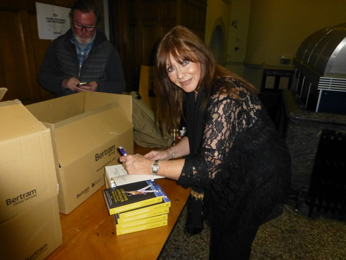 Lesley Ann Jones Author Of Mercury