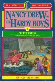 Secret Cargo(Nancy Drew and the Hardy Boys: Be a Detective 4)