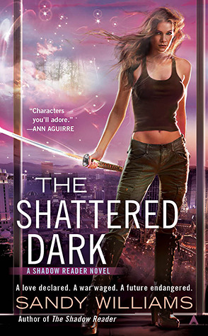 The Shattered Dark(Shadow Reader 2)