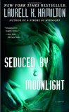 Seduced by Moonlight (Meredith Gentry, #3)