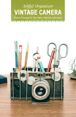 Artful Organizer: Vintage Camera: Stylish Storage for Your Pens, Pencils, and More!