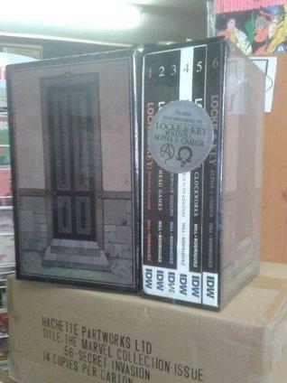 Locke & key vol 06: alpha & omega hc with slipcase for all 6 books by Joe Hill