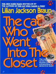The Cat Who Went into the Closet (Cat Who... #15)