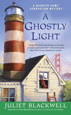 A Ghostly Light (Haunted Home Renovation Mystery, #7)