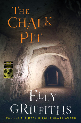 The Chalk Pit(Ruth Galloway 9)