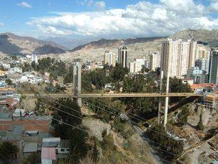 El puente de los suicidas by Adolfo Cáceres-Romero