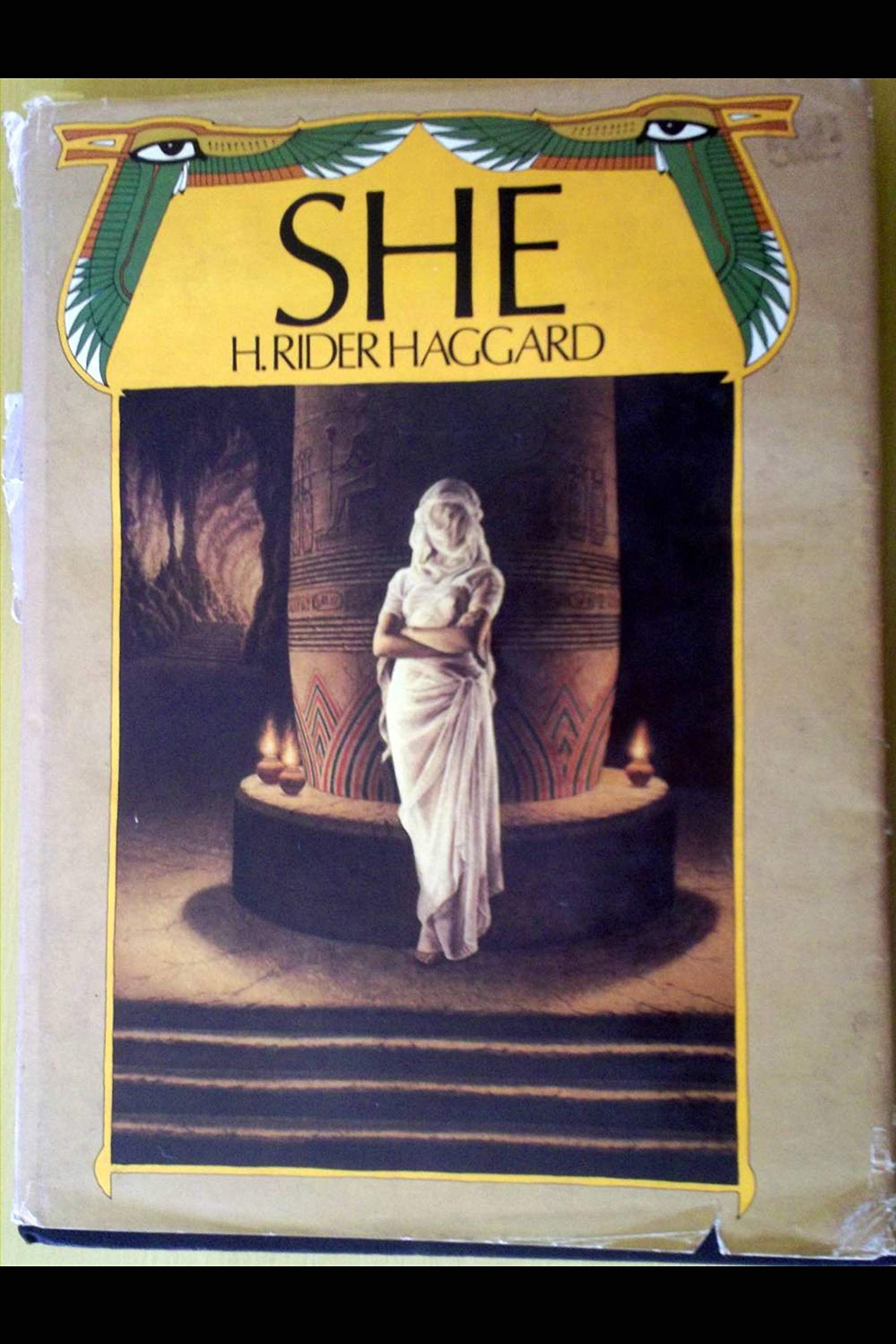 She: A History of Adventure Annotated and Illustrated Edition