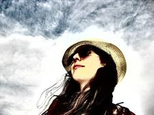 Sandra (youmaysayimareader)