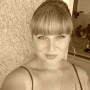 Nadia Ks
