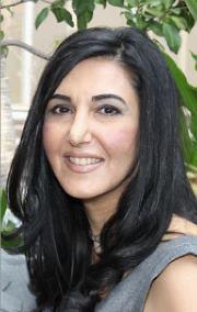 Roya Manavi-makhani