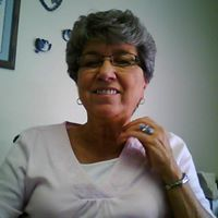 Linda  Pears