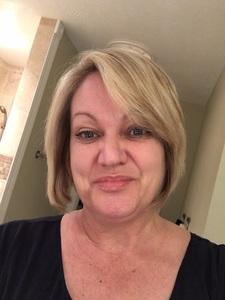 Leslie Kay
