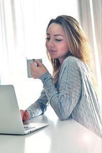 Кристина комиссарова девушка модель работа машина