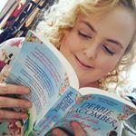 Sophie (Blogger)