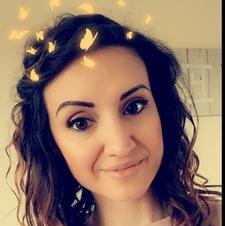 Oriana Blyth (_head_in_a_book)
