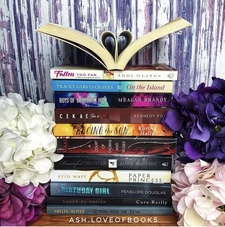 Ash.loveofbooks